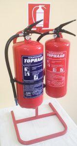 2-3-стойка изглед с пожарогасители